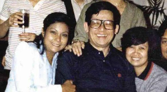 nora-aunor-with-ninoy